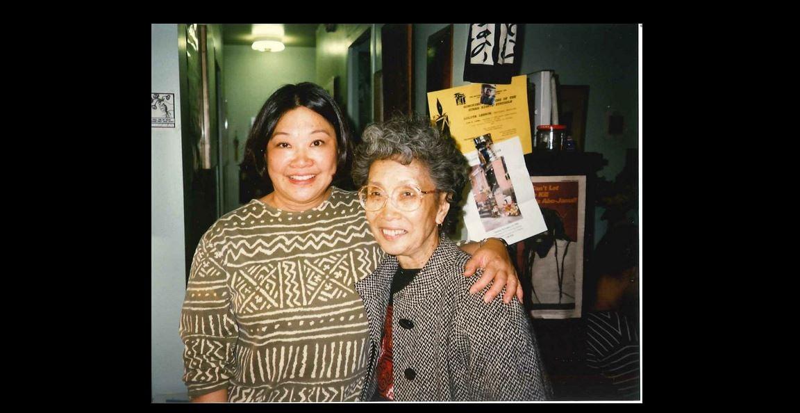 Sharon Maeda and Yuri Kochiyama at the Kochiyamas' Harlem apartment in 1995. • Courtesy Photo